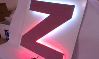 17.litera-przestrzenna-efekt-halo.jpg