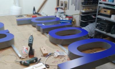 35.literki-swietlne-niebieskie.JPG