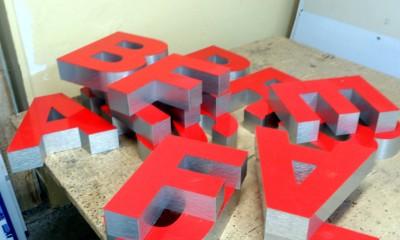 38.literki-swietlne-przestrzenne-czerwone.JPG