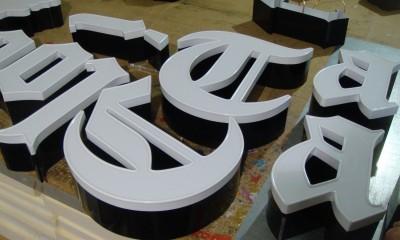 43.litery-przestrzenne-bialy-przod-1-a.JPG